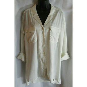 Cream dress shirt with high-low hem